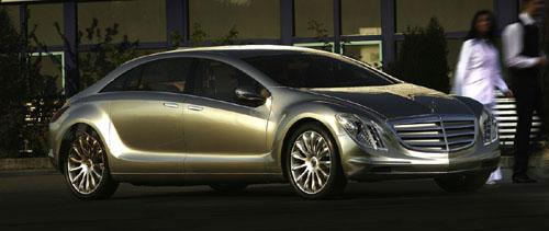 Mercedes-Benz F 700: el futuro de los sedanes de turismo superior