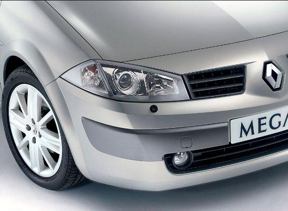 meganeii-sedan-01.jpg