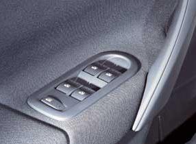 meganeii-sedan-10.JPG