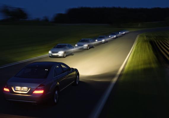 Mercedes-Benz y la seguridad en la oscuridad