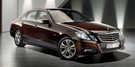 Mercedes Benz Clase E Sedan y Coupe, Lanzamiento oficial