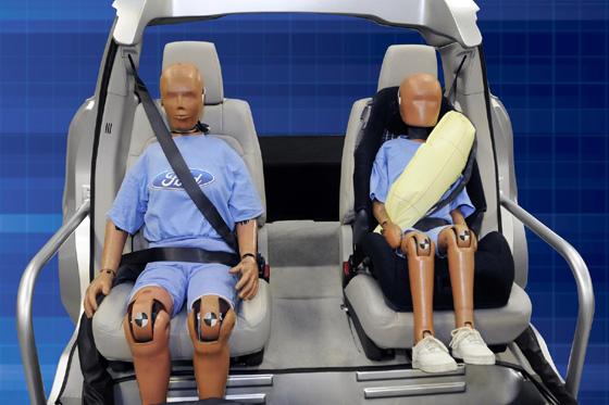 Ford, cinturones de seguridad inflables
