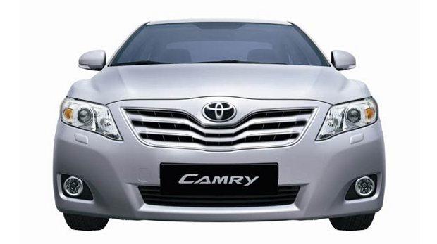 Toyota-Camry-2010-00