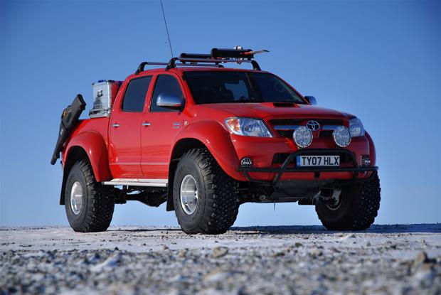 Toyota Hilux Invincible en el polo norte