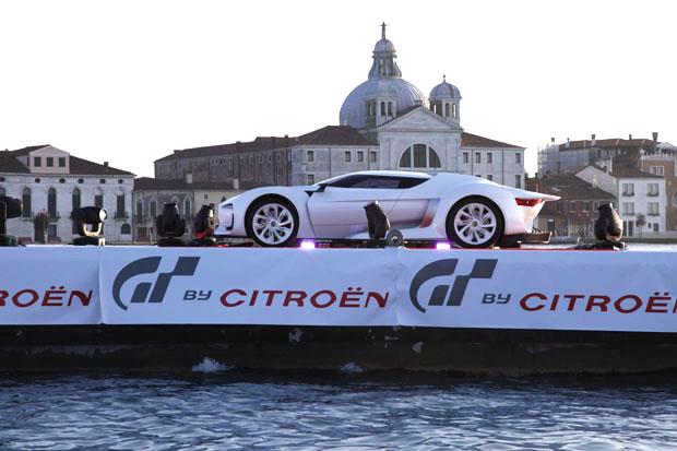 Citroën GT en el Carnaval de venecia