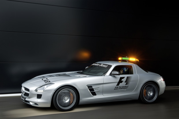 Mercedes-Benz-Official-F1™-Safety-Car-2010-1