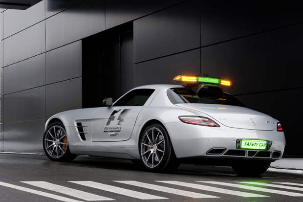 Mercedes-Benz-Official-F1™-Safety-Car-2010-2a