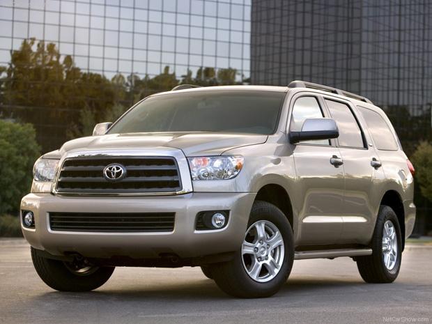 Toyota llama a revisión por aceleradores defectuosos