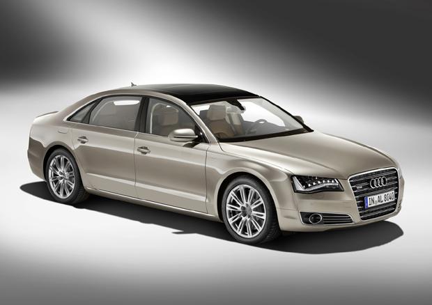 Audi A8 L 2011 con motor W12 y 500-HP