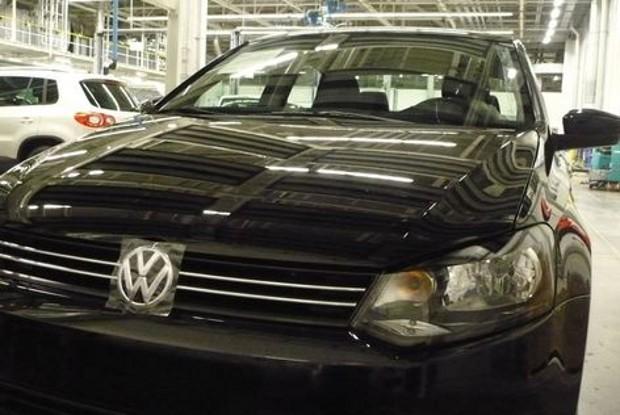 Nuevo Volkswagen Polo Sedán, fotos espía
