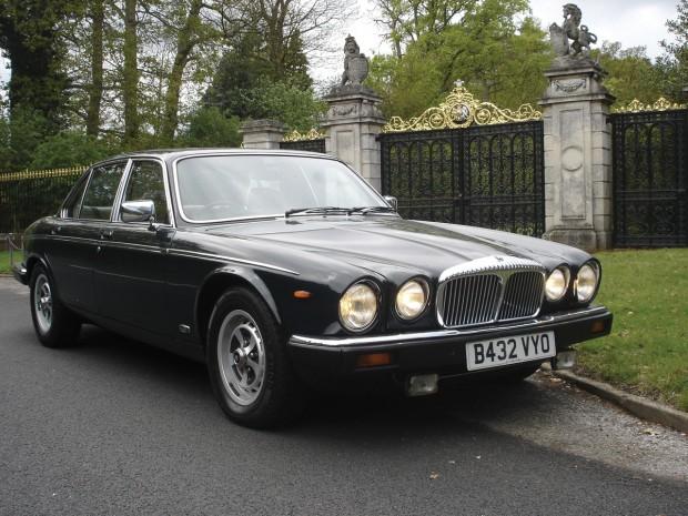 Daimler 1984 de Isabel II a remate en California