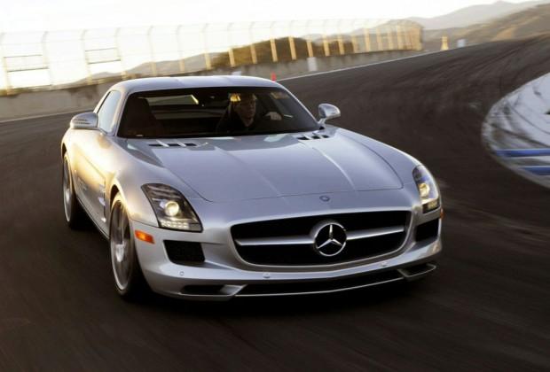 Mercedes SLS AMG, un video en 3D