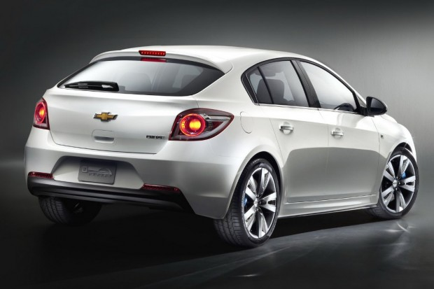 Chevrolet-Cruze-Hatchback-00