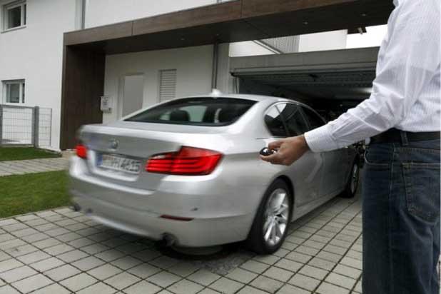 """Los futuros BMW…, estacionarán por su cuenta ayudados por un """"cerebro electrónico""""?"""