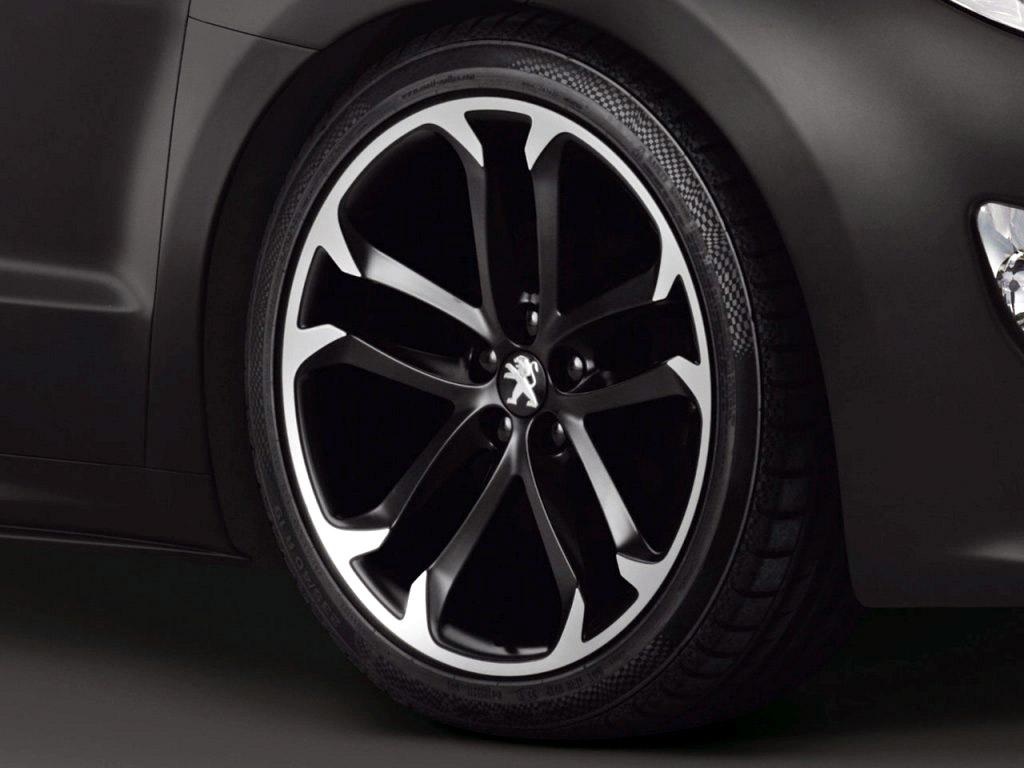 Peugeot-RCZ-Black-Asphalt_04.jpg
