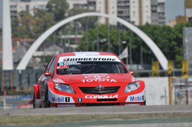 Toyota, triunfo histórico en los 200 kilómetros de Buenos Aires