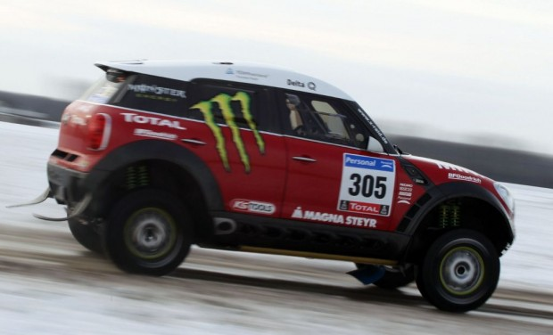 mini-all4-dakar-2011-01