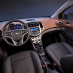 Chevrolet-Aveo-Sedan-07