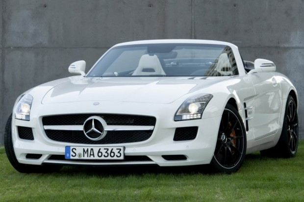 Mercedes Benz SLS AMG Roadster (video)