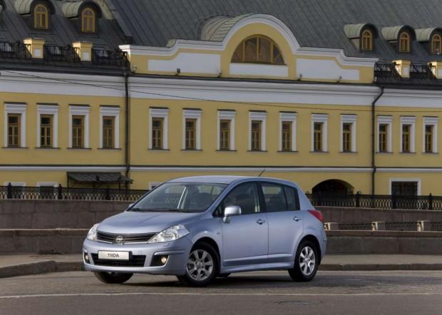 Nissan Tiida Hatchback Tekna en el Salón de Buenos Aires 2011