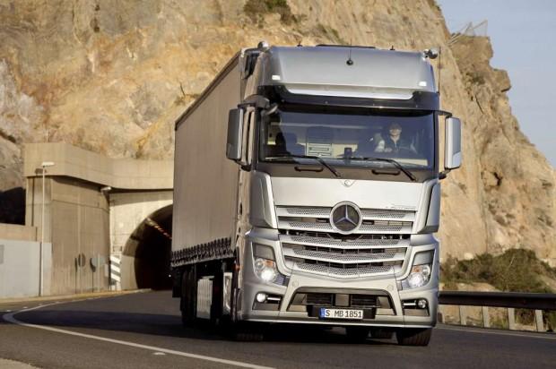 Nuevo camión Mercedes Benz Actros 2011