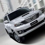 Toyota Fortuner 2012 01
