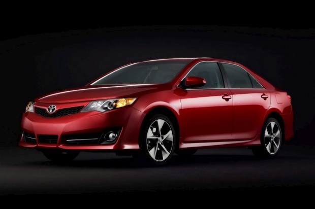 Toyota Camry 2012 oficial