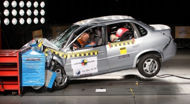 Chevrolet Classic Crash test