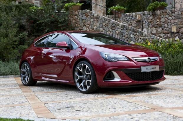 Opel Astra OPC 2012, primeras imágenes