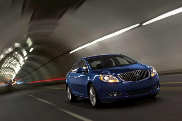 Nuevo Buick Verano Turbo para 2013 con 250 HP caja manual