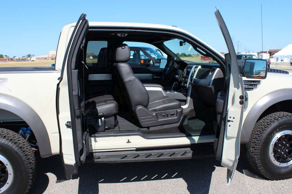 Ford f 150 svt raptor 2013 10 mundoautomotor voltagebd Images