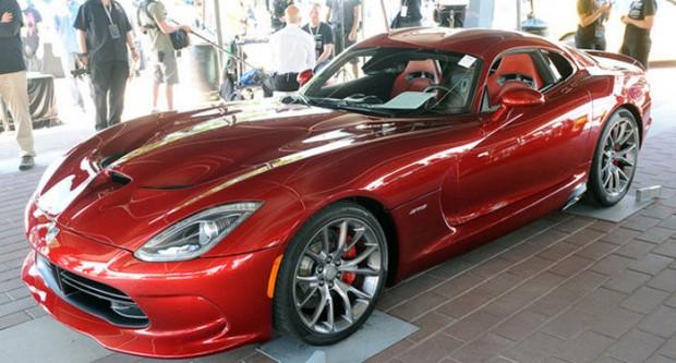 SRT Viper 2013 subastado en 300.000 dólares