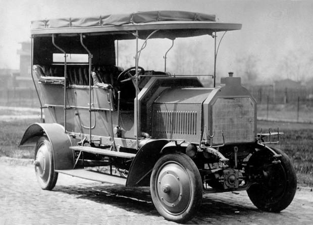 Mercedes Benz, 105 años ofreciendo tracción en las 4 ruedas