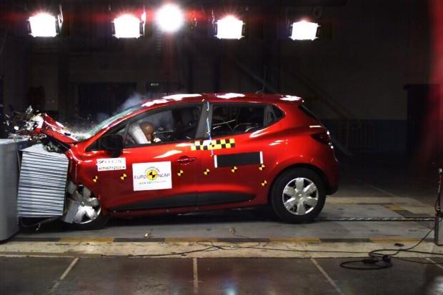 Renault Clio IV recibe las 5 estrellas de la EuroNcap