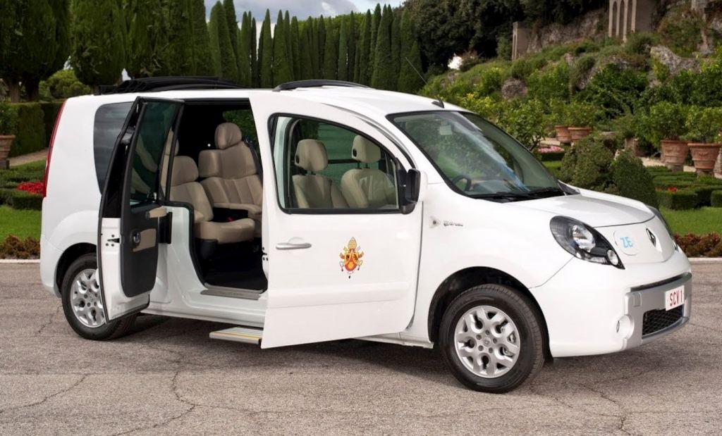 renault kangoo ze papamovil 1 mundoautomotor. Black Bedroom Furniture Sets. Home Design Ideas