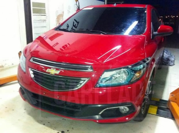 Chevrolet Onix, se deja ver sin camuflajes