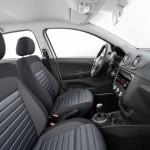 Volkswagen-Voyage-2013-8