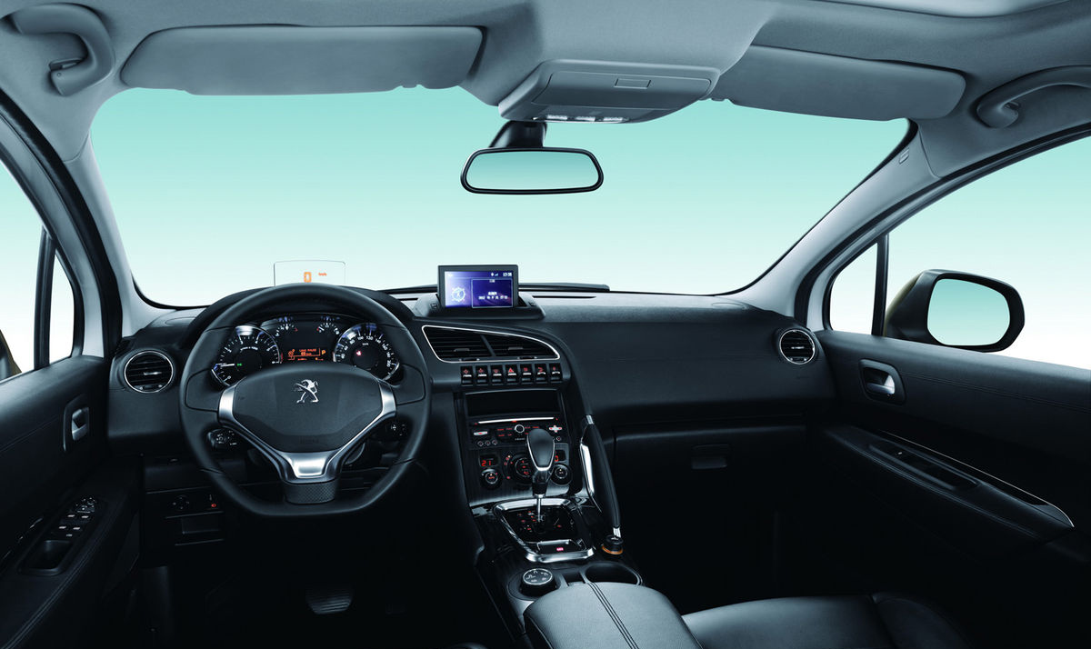 Peugeot 3008 restyling 2013 mundoautomotor for Peugeot 6008 interieur