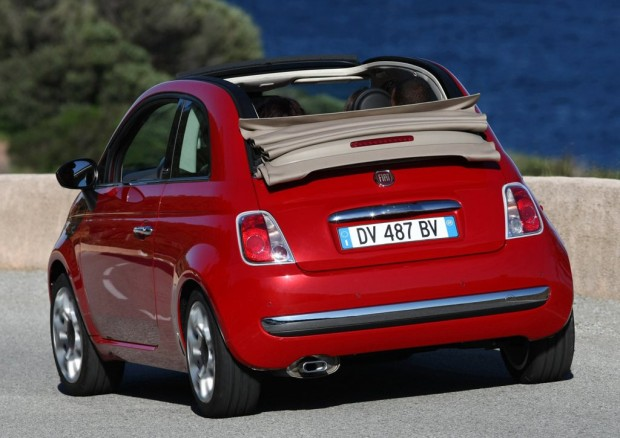 El nuevo Fiat 500 Cabrio llega a la Argentina a un precio de 136.000 pesos