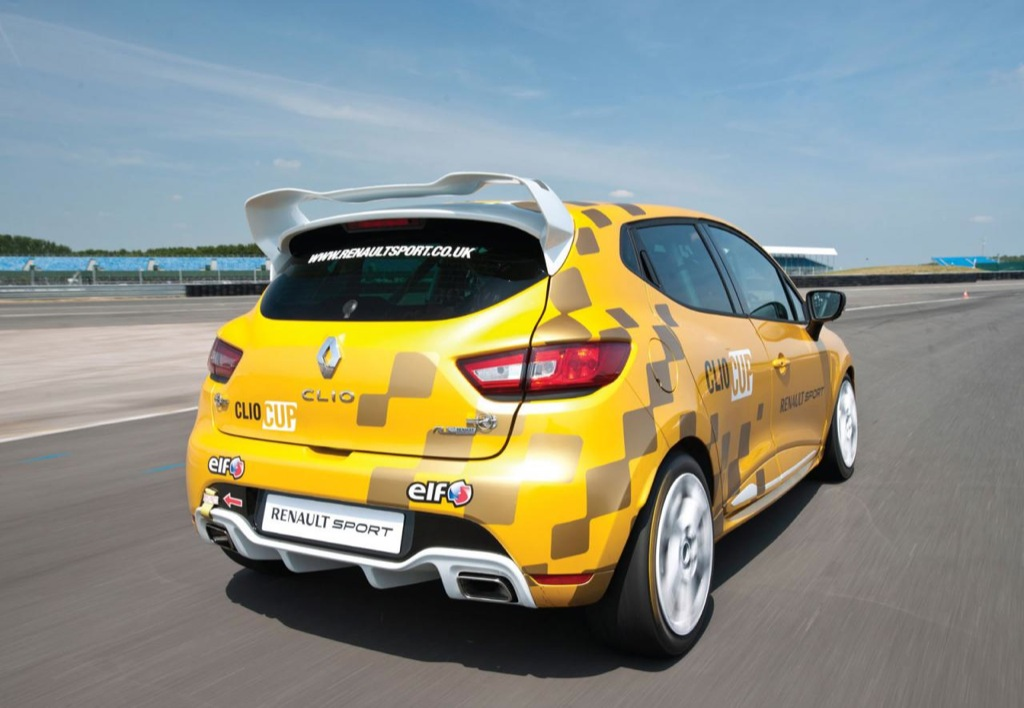 renault clio cup 2014 mundoautomotor. Black Bedroom Furniture Sets. Home Design Ideas