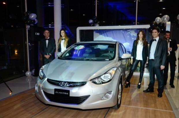 Hyundai i30 y Hyundai Elantra, lanzamiento oficial