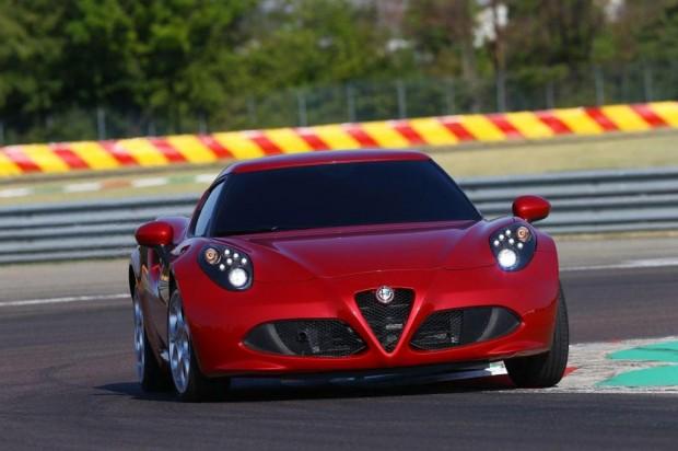 El Alfa Romeo 4C completó el circuito de Nürburgring en ocho minutos y cuatro segundos