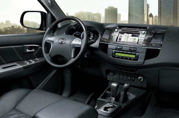 Toyota Hilux y SW4 2014 con renovado diseño interior y mayor equipamiento