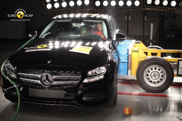 EuroNCAP, 5 Estrellas al Mercedes Clase C, 4 al Hyundai i10