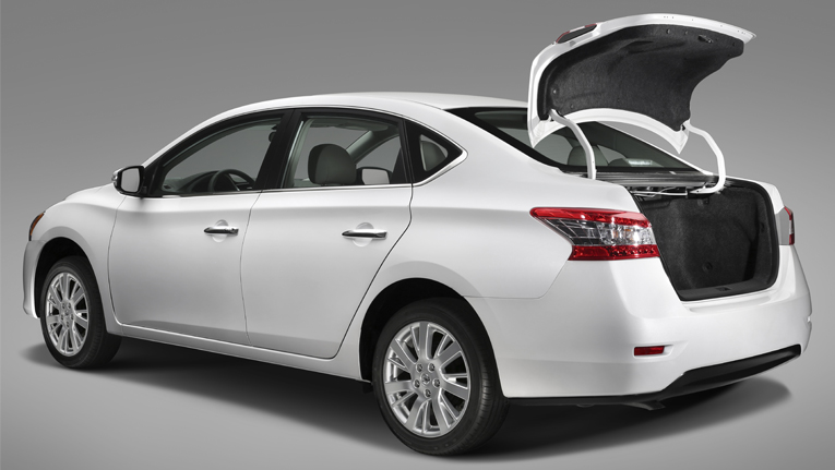 USA - Nissan announces pricing and specs for the 2015 Sentra sedan