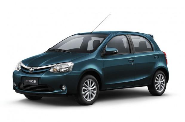 El Toyota Etios gama 2015, disponible en Argentina con nuevos items de equipamiento